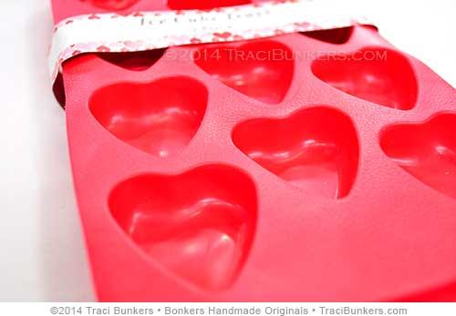 TraciBunkers.com-heart-ice-cube-tray-1